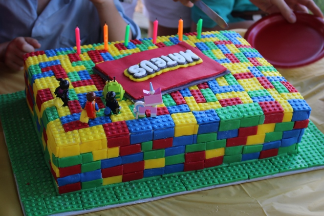img_0452-lego-cake